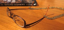 Cataracts reading glasses chain