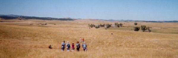 college-students-hike-back-to-windbreak-house