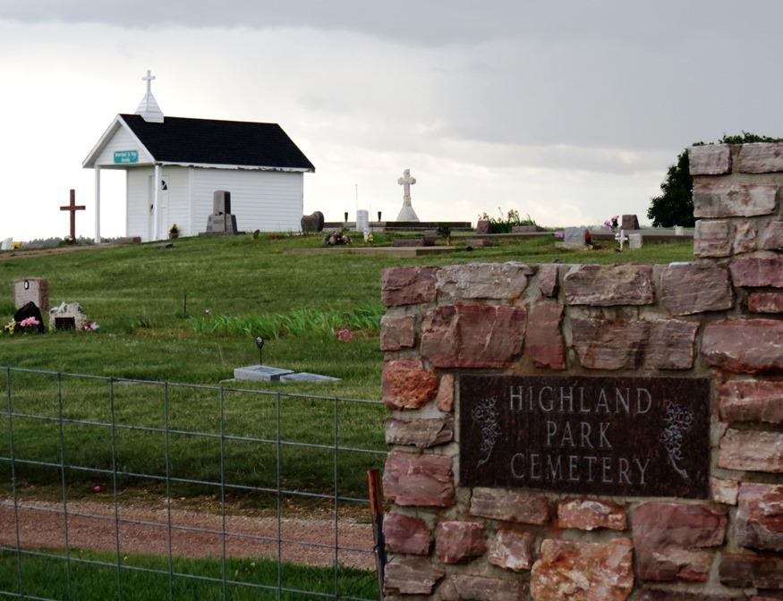 cemetery Highland Park sign 2017--5-28